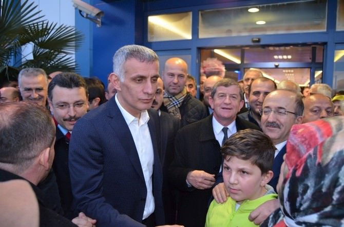 Dünya Şampiyonları Trabzon'da Coşkuyla Karşılandı