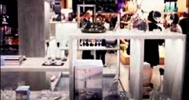 Yurtdışındaki ilk mağaza Milano'ya