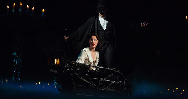 Phantom of the Opera'dan (Operadaki Hayalet) öğrencilere büyük jest