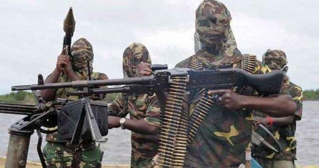 Mühimmatı kalmayan Boko Haram'ın ok, yay ve pala gibi silahlarla savaşacak