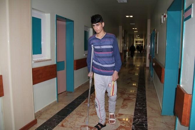 Bacakları Kesilmekten Kurtulan Genç Yürümeye Başladı