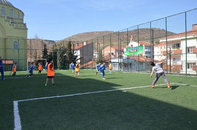 Bozüyük Belediyesi Okullar Arası Futbol Şenliği 3. Hafta Maçları İle Devam Ediyor