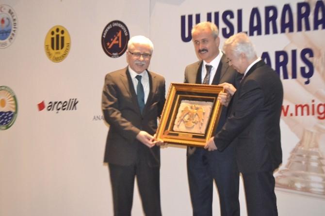 İnönü Üniversitesi'ne Dostluk Barış'ı Ödülü