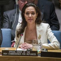 Jolie: Suriyeliler keşke burada olsalardı da dinleseydiniz - Dünya Haberleri