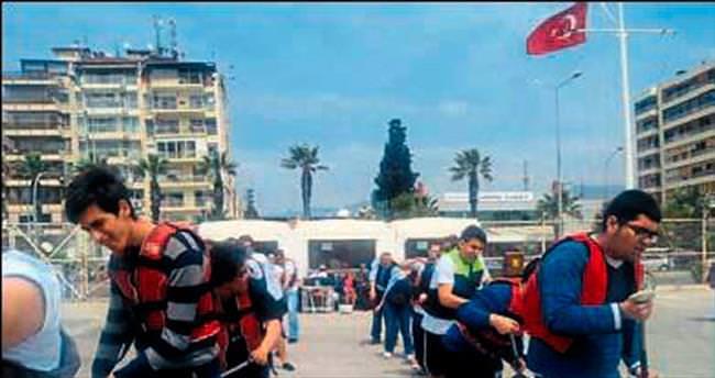 Otizmli kürekçiler Körfez'de yarıştı
