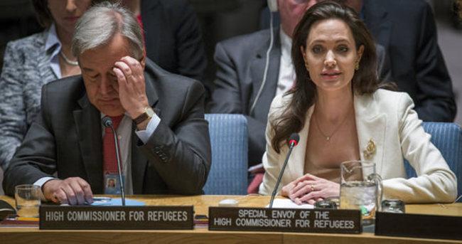 Jolie: Suriyeliler keşke burada olsalardı da dinleseydiniz