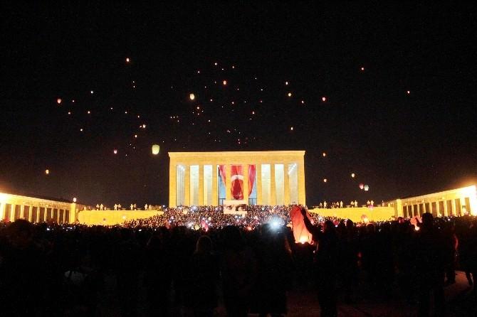"""Anıtkabir """"1915"""" Dilek Feneri İle Aydınlandı"""