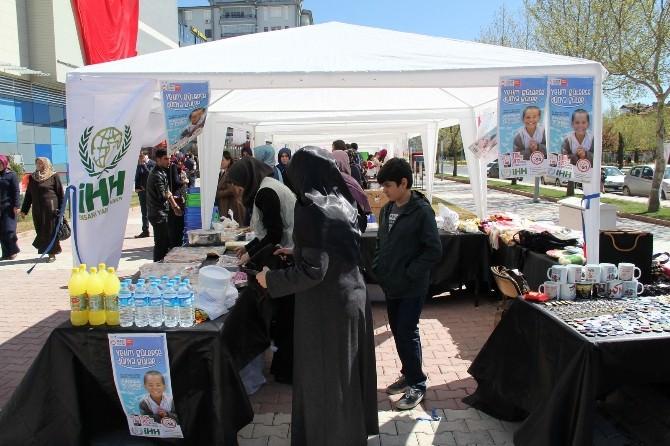 Elazığ'da 'Yetim Gülerse, Dünya Güler' Kermesi
