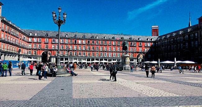 Şık ve ihtişamlı başkent: Madrid