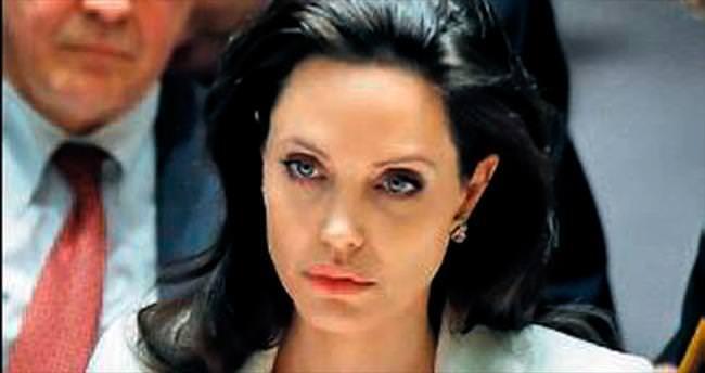 Jolie Dünyada Kadın Zirvesi'nde