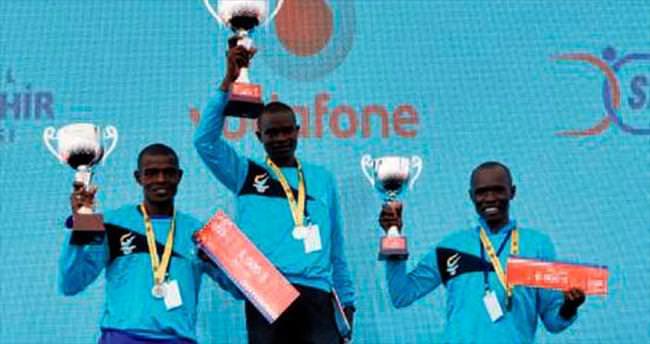 Yarı maratona 8 bin kişi katıldı