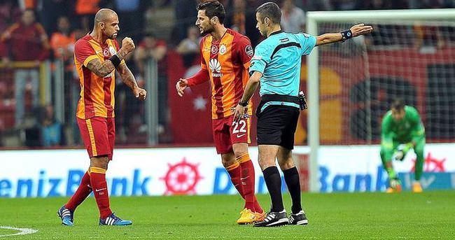 Galatasaray 2 kayıp birden verdi
