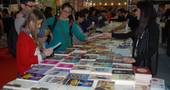 Kitap Fuarı'nı 423 bin kişi ziyaret etti