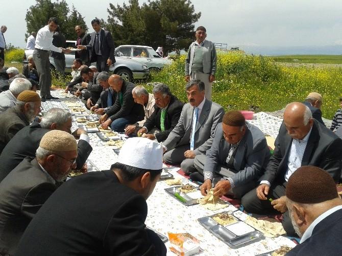 Kırmacık Köyü Sakinleri Şükür Duasına Çıktı