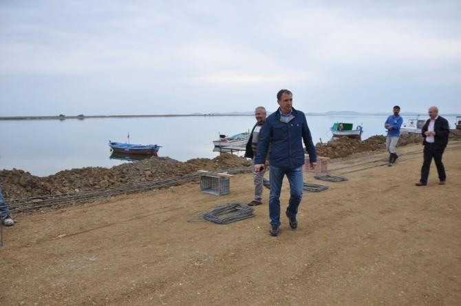 Ayvalık Belediyesi Altınova Sahiline Yürüyüş Yolu Yapıyor