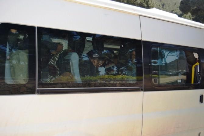 Ayvalık'ta Kaçak Göçmenler Sahil Güvenlik Ekiplerinden Kaçamadı
