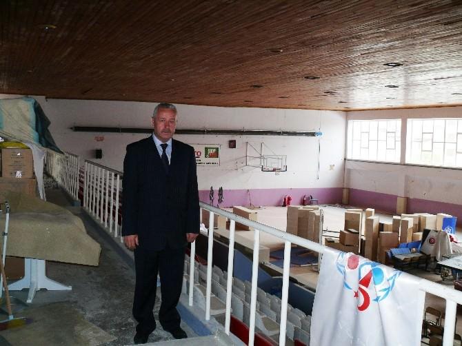 Atatürk Kapalı Spor Salonu Tadilata Girdi