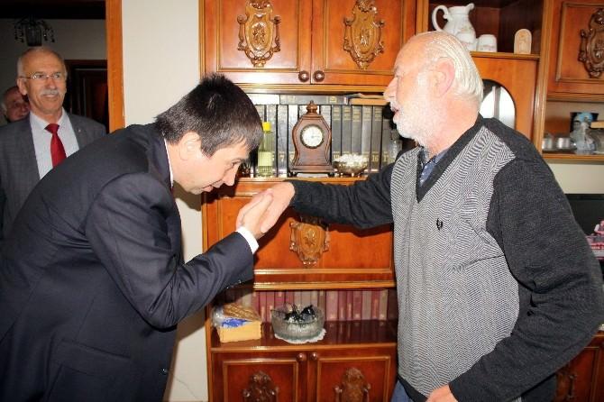 Eski Belediye Başkanı Çalım'a Prof. Dr. Yenidünya'dan Vefa