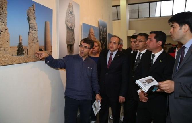 Büyük Selçuklu Mirası Sergisi'nin İlki Türkmenistan'da Açıldı