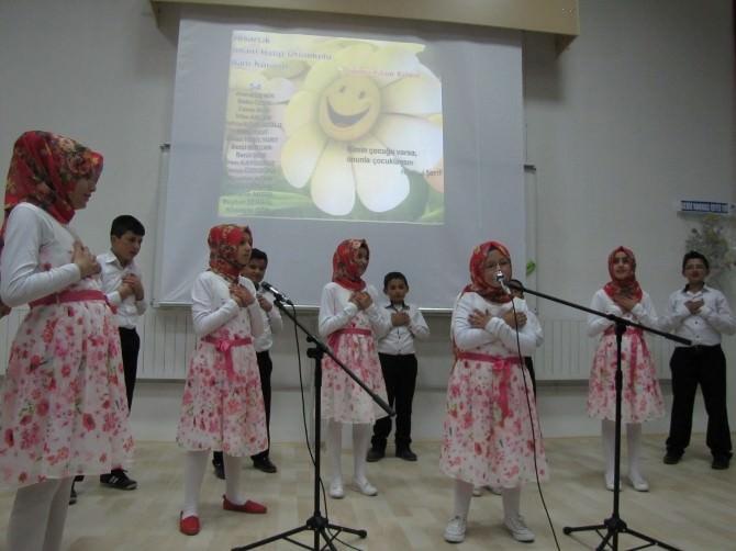 Öğrencilerden Kutlu Doğum Haftası Programı