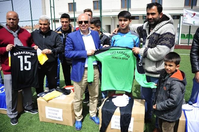 Karaman Belediyesi'nden Amatör Kulüplere Malzeme Yardımı