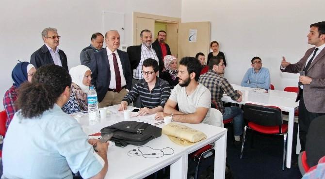 Türk Ve Suriyeli Gençlere Girişimcilik Eğitimi