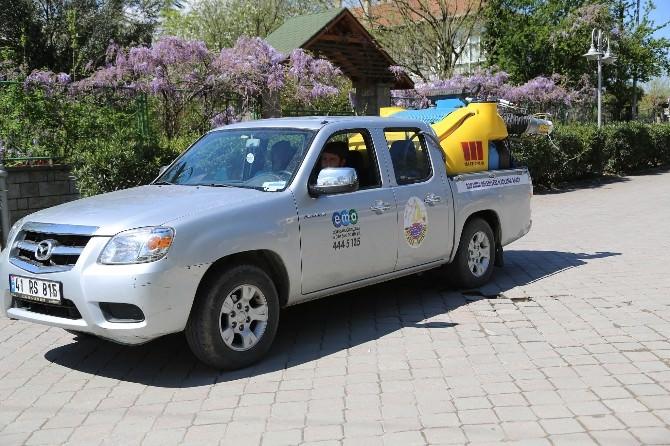 Sapanca Belediyesi Sineklere Karşı İlaçlama Yapıyor