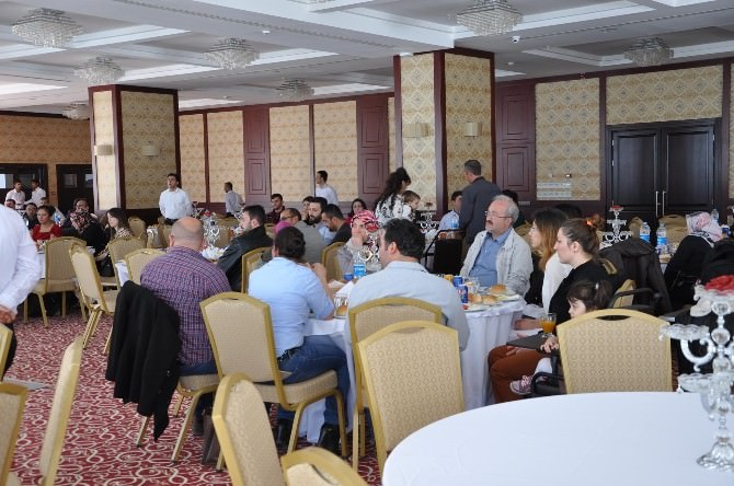Yozgat'ta Veteriner Hekimler Yemekte Bir Araya Geldi