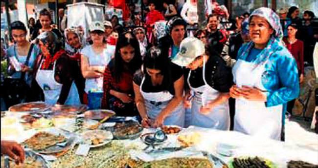 Buca'nın otları festivalde buluştu
