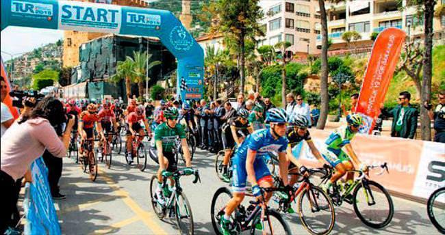 Cavendish yine ilk sırayı kaptı