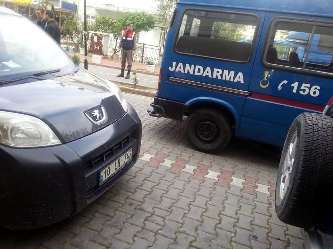 Kadının Aracına Kurşun Yağdırdılar