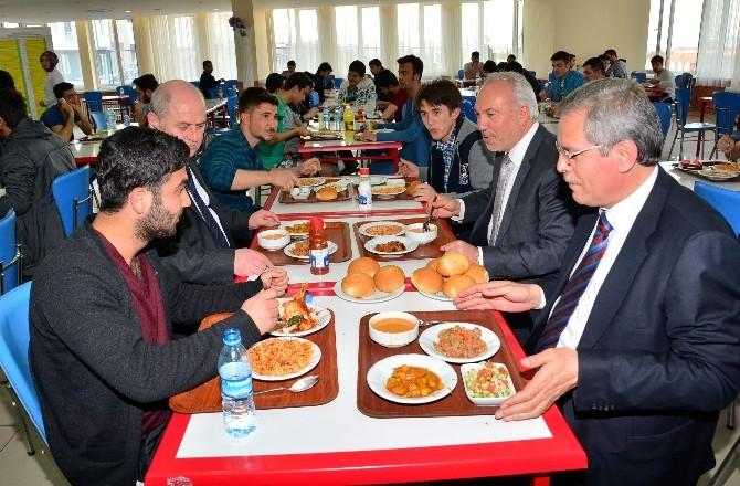 Kamil Saraçoğlu: Öğrenciler, Kütahya'nın Gönüllü Birer Kültür Elçisidir