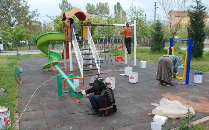 Çaycuma Belediye'sinden Çocuk Parklarına Bakım Ve Onarım