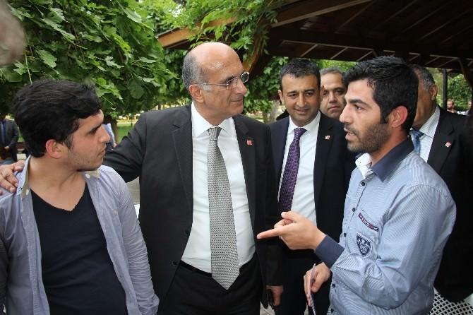 Tekin Bingöl, Adana Caddelerinde Seçim Çalışması Yaptı