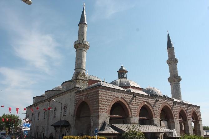 Gurbetçiler Artık Edirne'de Teheccüd Namazları Kılabilecekler