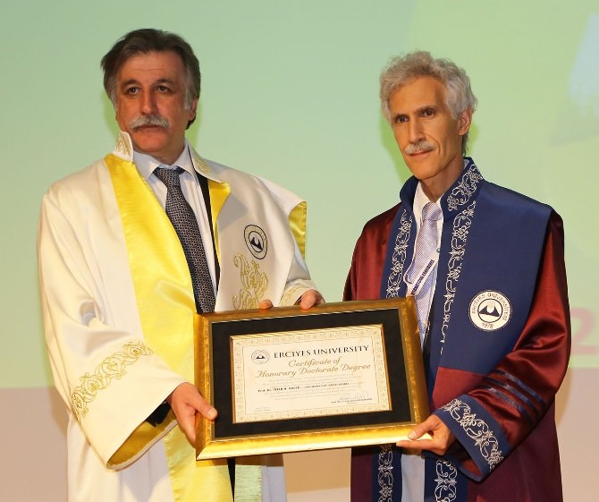 Erciyes Üniversitesi'nde Fahri Doktora Töreni