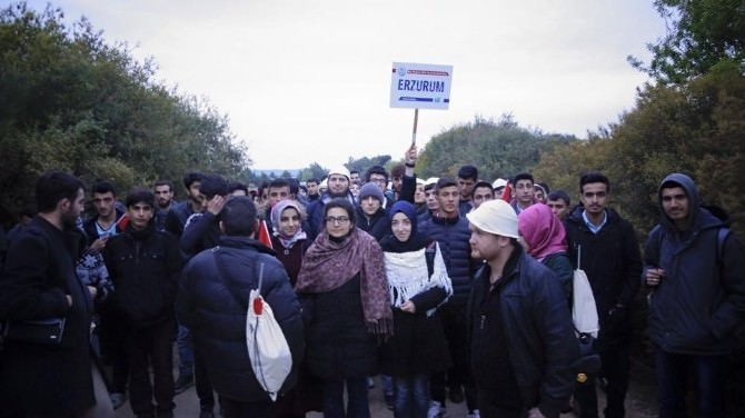 Erzurum Gençliği Şehitlere Vefasını Gösterdi