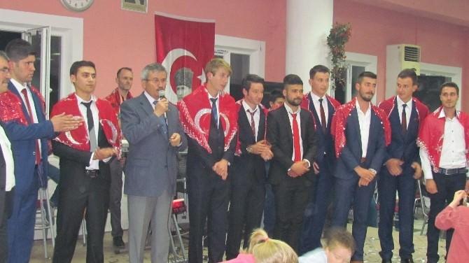 MHP'li Balkız Asker Uğurladı