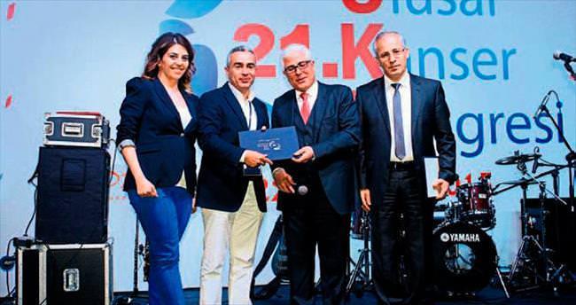 Prof. Bozcuk'a ikincilik ödülü