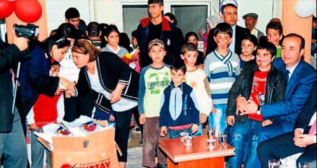 Ceyhan Belediyesi'nden 200 öğrenciye giysi yardımı