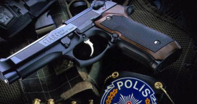 Polis silahı çalıp soygun yaptılar