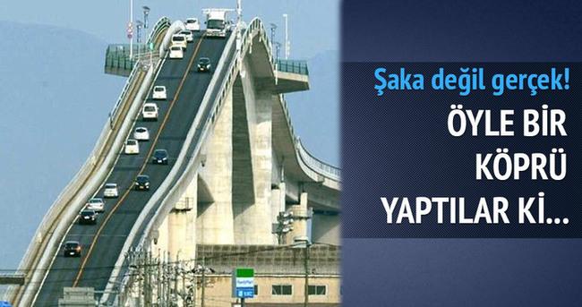 Japonya'da sıradışı görünümlü köprü