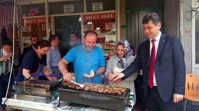 AK Parti Adayından Bedava Köfte Ekmek