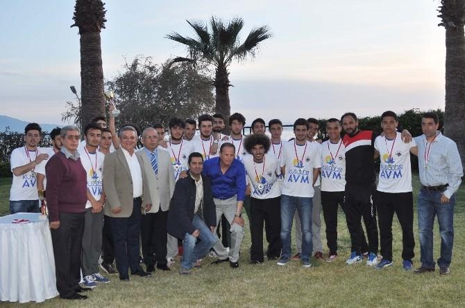 Kuşadası Gençlikspor U14 Ve U19'da Da Şampiyon