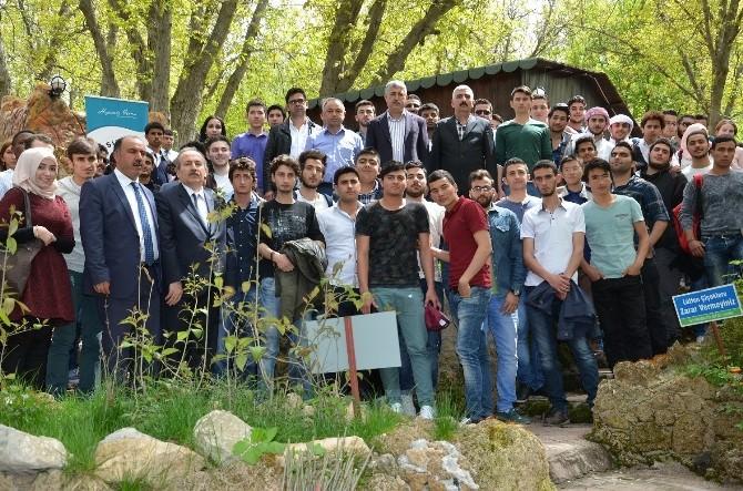Yabancı Uyruklu Öğrencilere Yeşilyurt Belediyesi'nden Kardeşlik Yemeği