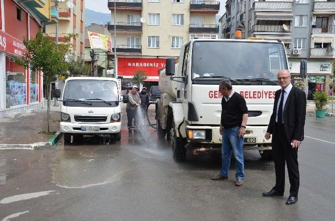 Gemlik Caddelerinde Bahar Temizliği