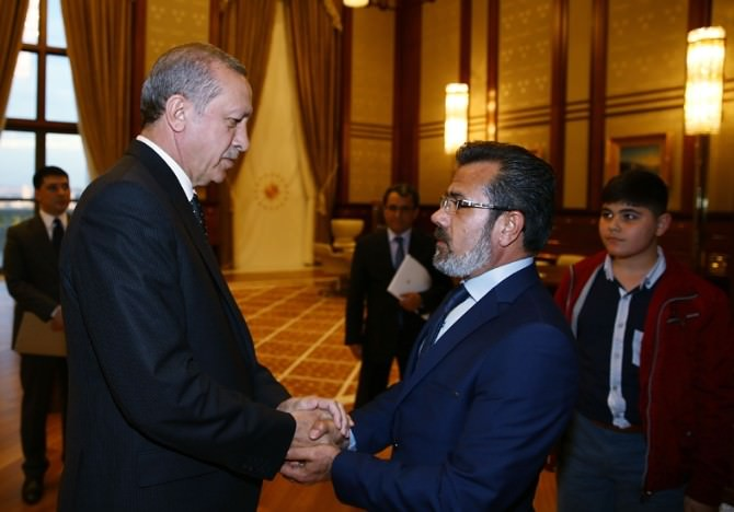 Cumhurbaşkanı Erdoğan, Özgecan'ın Ailesini Kabul Etti