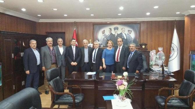 Gülüç Belediyesi İşçilerinin 1 Mayıs Öncesi Zam Sevinci
