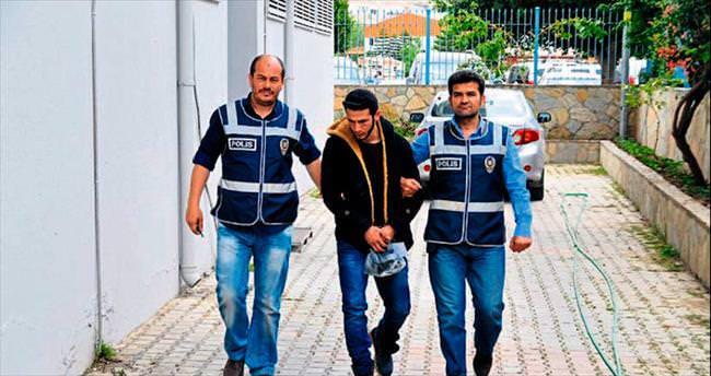 İki kişiyi bıçakladı polisten kaçamadı
