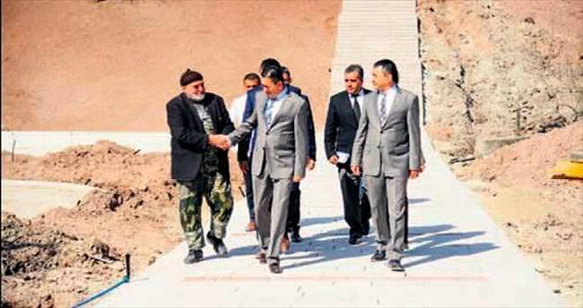 Başkan Tiryaki şantiyeleri denetledi